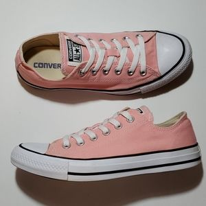 CONVERSE ALL-STAR LOWTOPS, WOMANS SIZE 8 GUC
